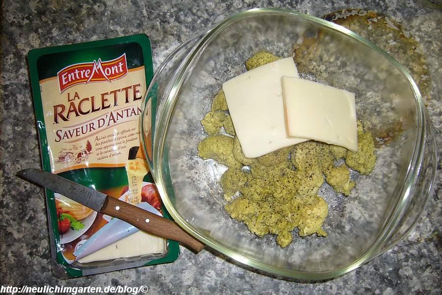 rhabarberbluete-mit-raclette-kaese