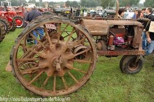 rostiger-traktor