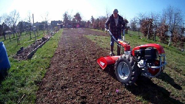 Gartenvorbereitungen Teil 2 Oder Der Erste Einsatz Des Neuen